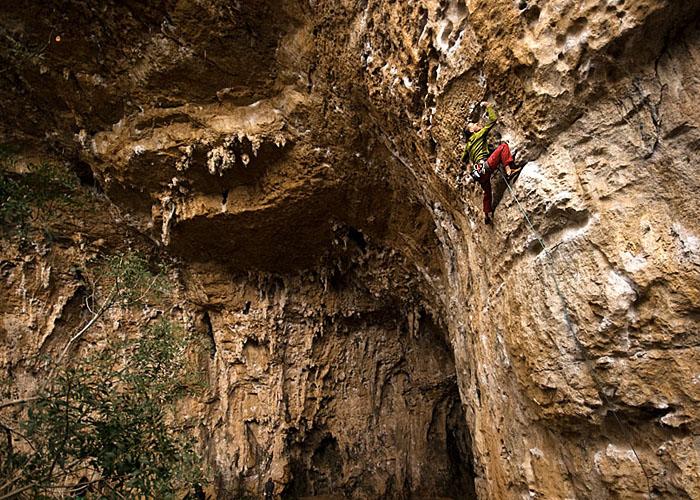 Esto es lo que en la cueva se llama una placa