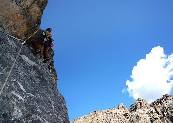 Almu en el paso clave del 4º largo de Culp Bossier, en el Hallet Peak