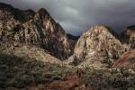 Cuando entras en el Black Velvet Canyon con ese cielo, tragas saliva varias veces.